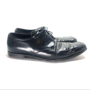 Prada black leather dress shoes 8.5